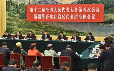 習近平參加新疆代表團審議