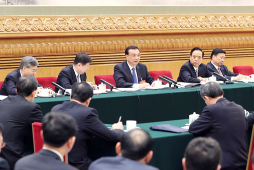 李克強3月6日參加山東代表團審議