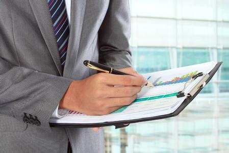 在統計係統建立全流程統計數據責任制