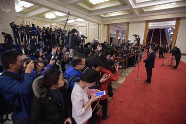 """傳遞中國信心與力量——2017年兩會""""部長通道""""和記者會回眸"""