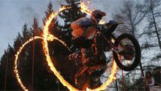 俄羅斯摩托車節表演