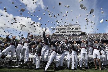 美國西點軍校舉行畢業典禮