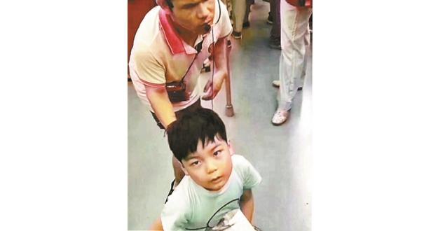"""""""王国军5岁女儿被拐""""系谣言 警方正查找谣言来源"""