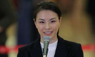 吳敏霞代表接受採訪