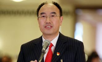 薛晨陽代表接受採訪