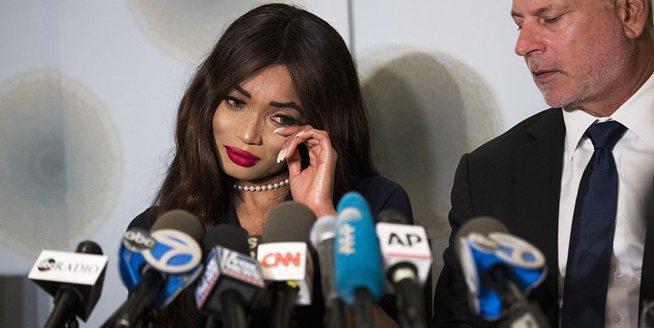 """温斯坦再遭英国女演员起诉 因""""非法性交易"""""""
