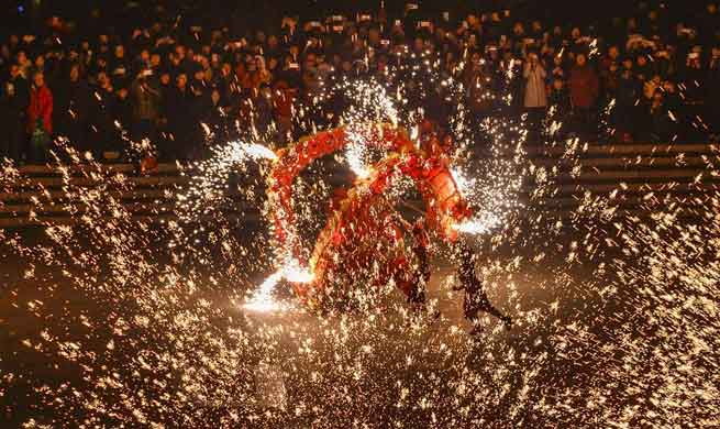 Molten iron fireworks show performed to greet Chinese New Year