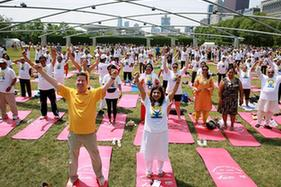 芝加哥舉行國際瑜伽日活動