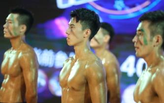 """浙江:秀肌肉展絕活 特警""""型男""""大比拼"""