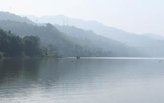 秋季美麗生態 三峽蓄水現平湖美景