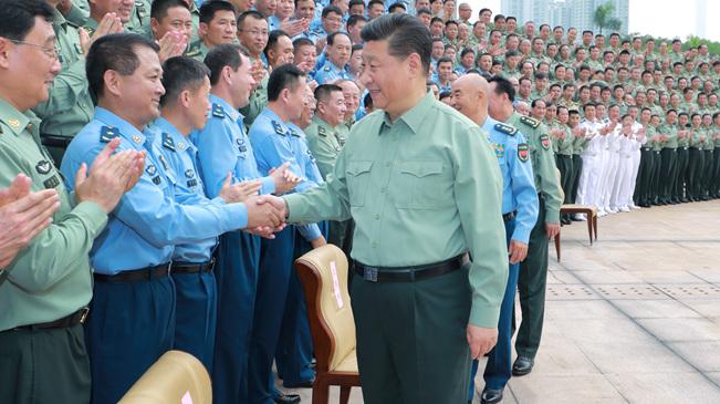 习近平:加快推进战区指挥能力建设 坚决完成担负的使命任务