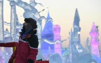 哈爾濱:精美絕倫的冰雕藝術