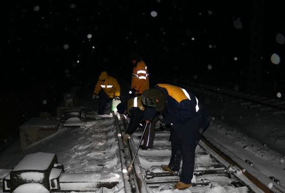 春運路上,他們在守著鐵路的安全