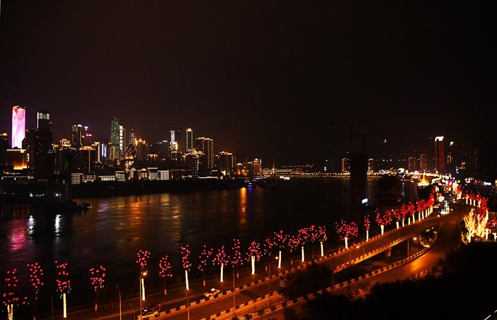 重慶:春風涌動兩江潮