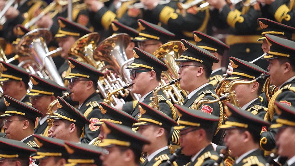 軍樂團在演奏