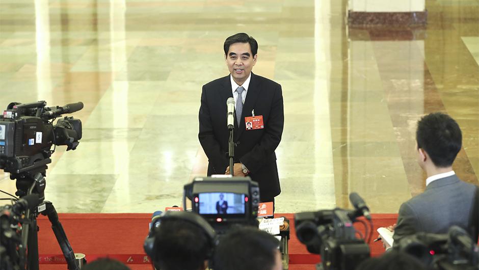 人力資源和社會保障部部長張紀南接受採訪