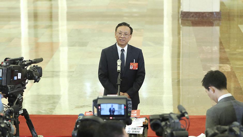 最高人民法院副院長江必新接受採訪