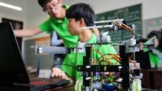 机器人竞赛激发学生创造潜能