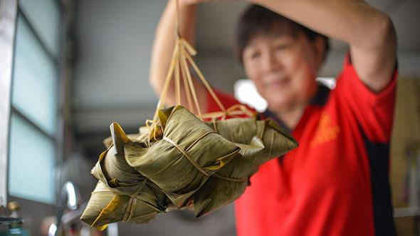 在吉隆坡品尝各式美粽