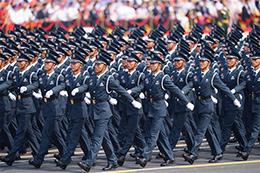文职人员方队首次亮相阅兵盛典