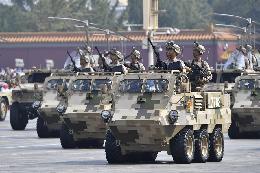 特战装备方队:中国特战精兵惊艳亮相