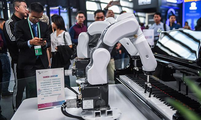Xinhua Headlines: From follower to forerunner, China offers wisdom to Internet development, governance