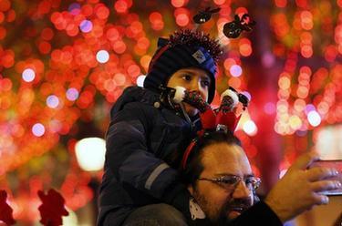 巴黎:香街點燈