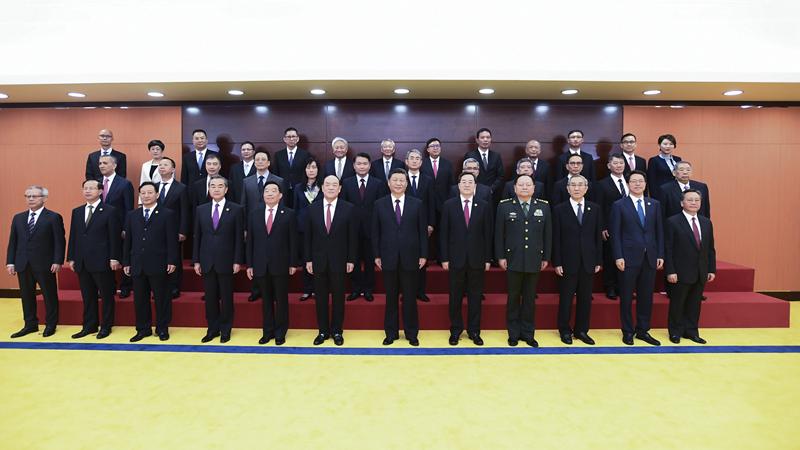 习近平会见澳门特别行政区新任行政、立法、司法机关负责人