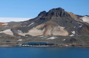 中國南極考察隊拜訪巴西費拉茲站