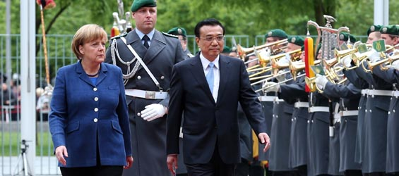 Chinese premier attends welcoming ceremony held in Berlin