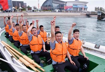 多國海軍活動舢板比賽舉行