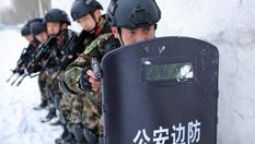 直擊新疆北部邊防官兵雪原反恐演練
