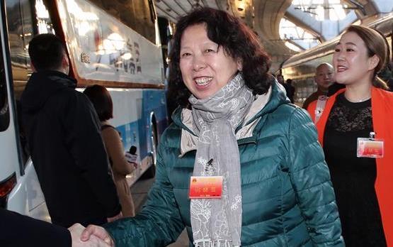 黑龍江代表團抵達北京