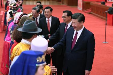 黨和國家領導人出席兩會少數民族代表委員茶話會