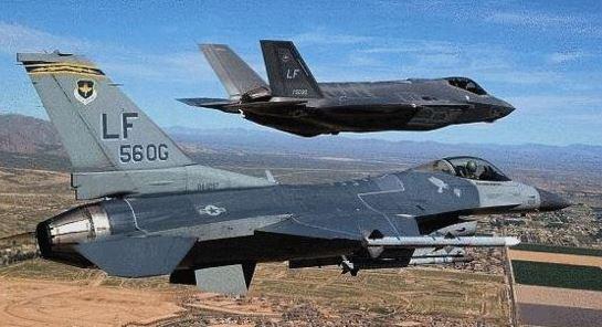 """陈虎点兵:F—16空战中竟""""看""""不到F—35身影?"""
