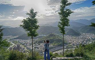 天空之眼瞰汶川地震災區十年巨變
