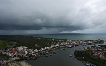 海南:漁船回港避臺風