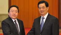 Hu Jintao holds talks with Mongolian president