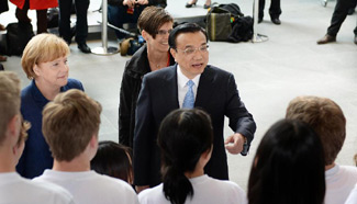 "Chinese, German PMs meet students during launching of ""the Year of Languages"" program"