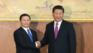 President Xi meets with Mongolia's PM in Ulan Bator
