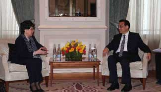 Premier Li meets with WHO director general in Switzerland