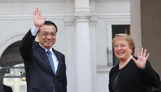 Premier Li Keqiang meets with Chilean president in Santiago