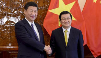 Chinese president holds talks with Vietnamese counterpart in Hanoi