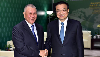 Chinese premier meets vice chairman of CPPCC National Committee in Macao