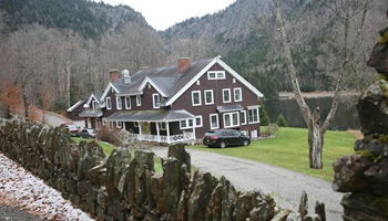 Dixville Notch, symbolic village of U.S. presidential elections