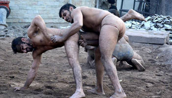 Indo-Pakistani form of wrestling practiced in Pakistan's Lahore