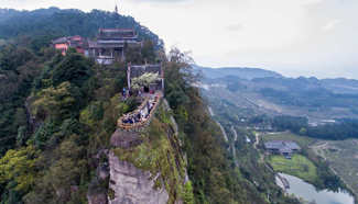 Ancient Jingyin Temple built on cliff in SW China's Chongqing