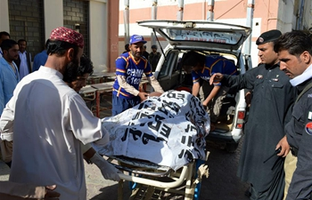 7 killed, 22 injured as suicide blast hits police truck in SW Pakistan