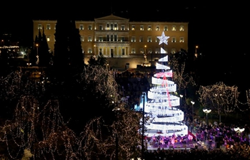Athen kicks off holiday season celebrations