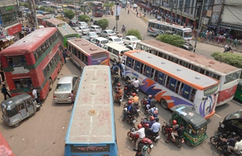 In pics: chaotic traffic in Dhaka, Bangladesh